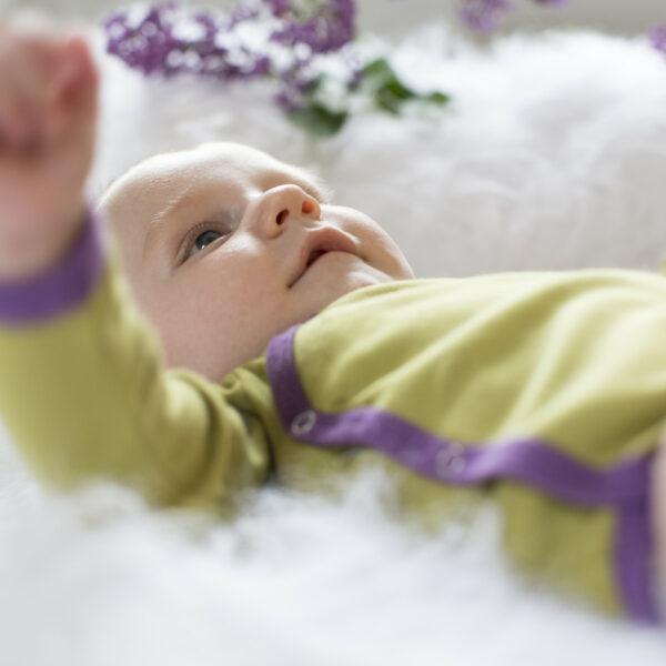 Chill n Feel - Langarm-Wickelbody aus Pima Bio-Baumwolle Anis-Gruen Pflaume (6)
