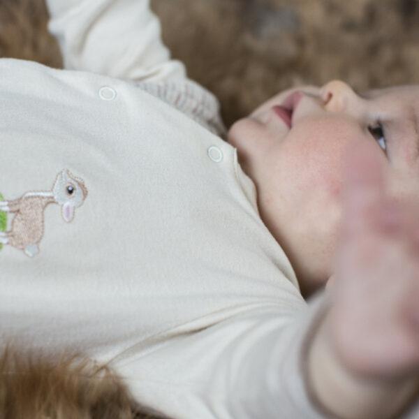Chill n Feel - Baby Strampler Lama aus Pima Biobaumwolle Gestreift Beige (5)