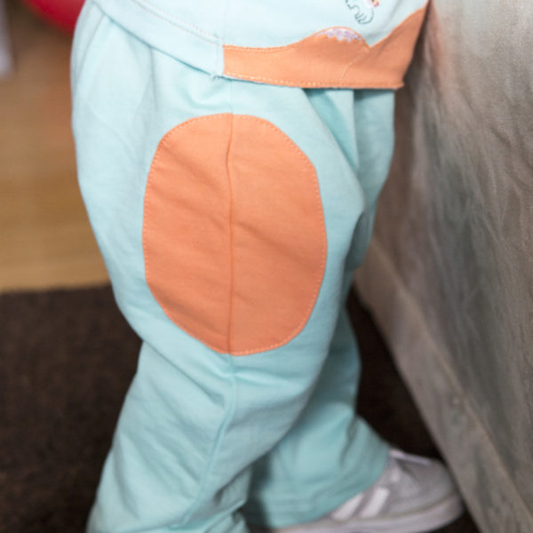 Chill n Feel - Luftige Babyhose aus feinster Pimabaumwolle kbA Eisblau Orange (4)