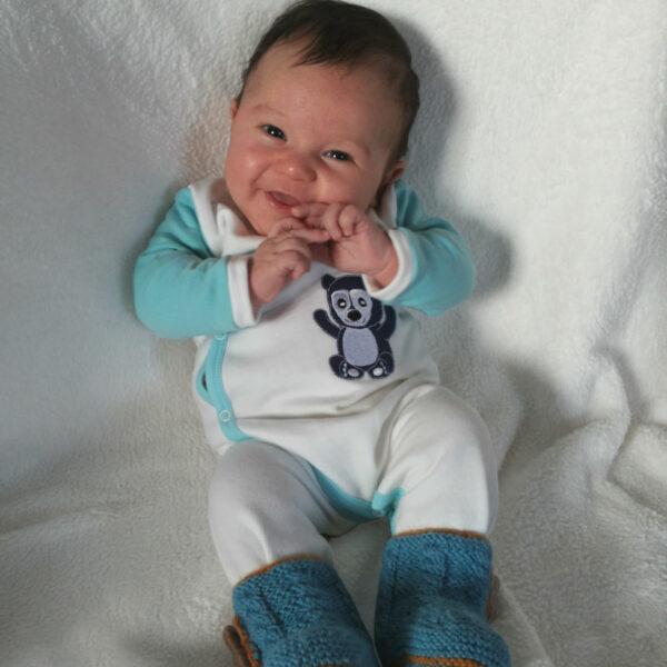 Chill n Feel - Warmer Baby-Schlafanzug Brillenbär aus Pima Biobaumwolle Weiß Eisblau (4)