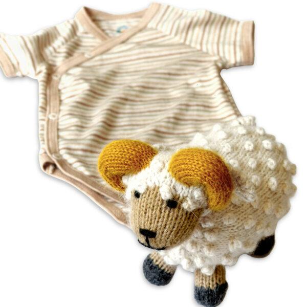 Chill n Feel - Baby Geschenkset Schafbock u. Bio Wickelbody aus Pima Baumwolle (3)