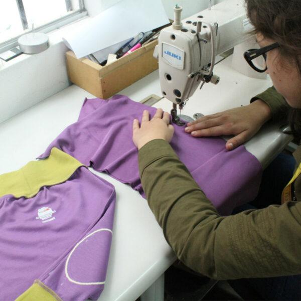 Handarbeit aus Peru_Baby Krabbelhose aus Pima Cotton