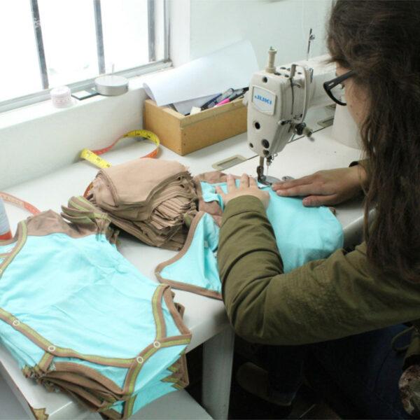Chill n Feel - Kurzarm-Kimono Body aus Pima Bio-Baumwolle Eisblau Braun (8)