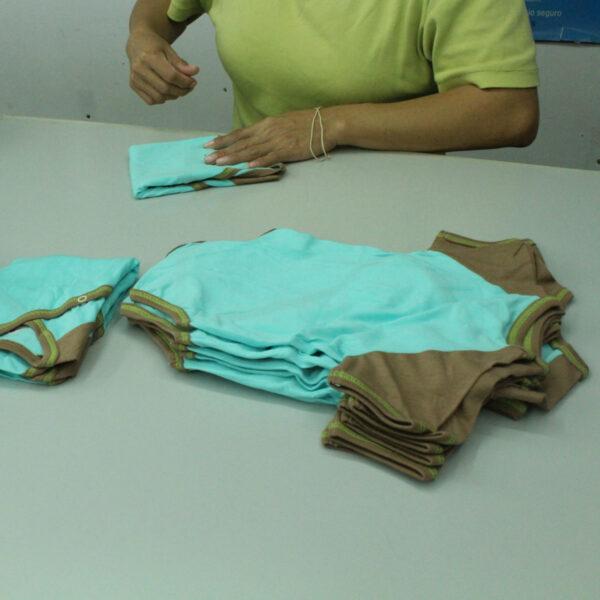 Chill n Feel - Kurzarm-Kimono Body aus Pima Bio-Baumwolle Eisblau Braun (9)