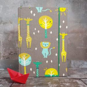 Babytagebuch-braun-Löwe-und-Giraffe-Scatoli