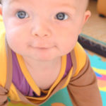 Baby-Schlafanzug mit Kratzschutz | Testphase erfolgreich bestanden