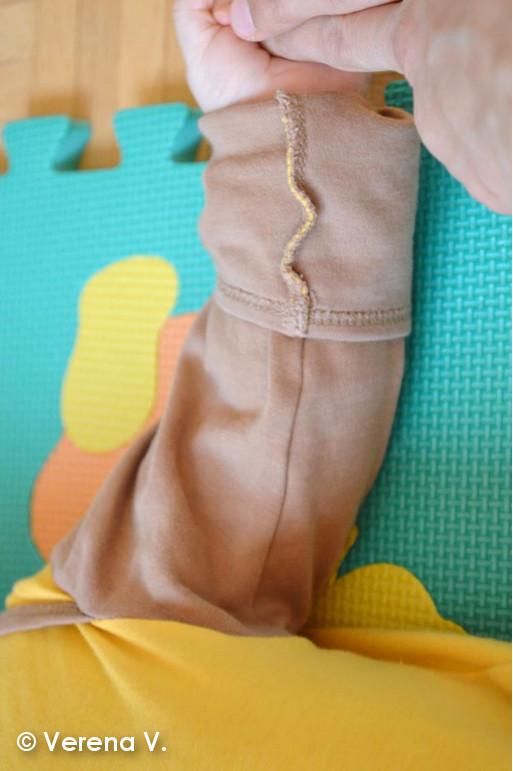 baby-schlafanzug-mit-kratzschutz-testphase-erfolgreich-bestanden-4