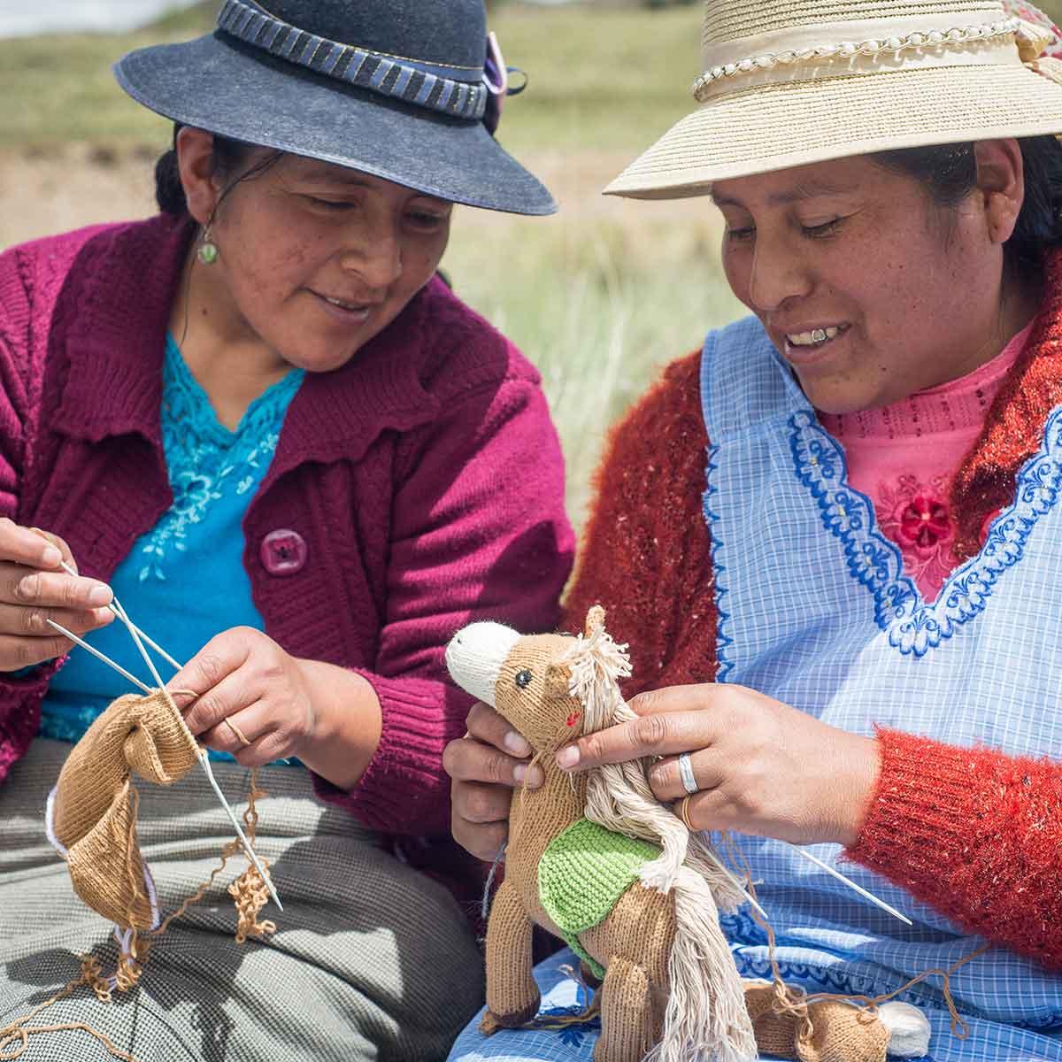 Handarbeit_Kuscheltiere_Handgestrickt_Biobaumwolle_Hautverträglich_Strickerinnen_nachhaltige Produktion