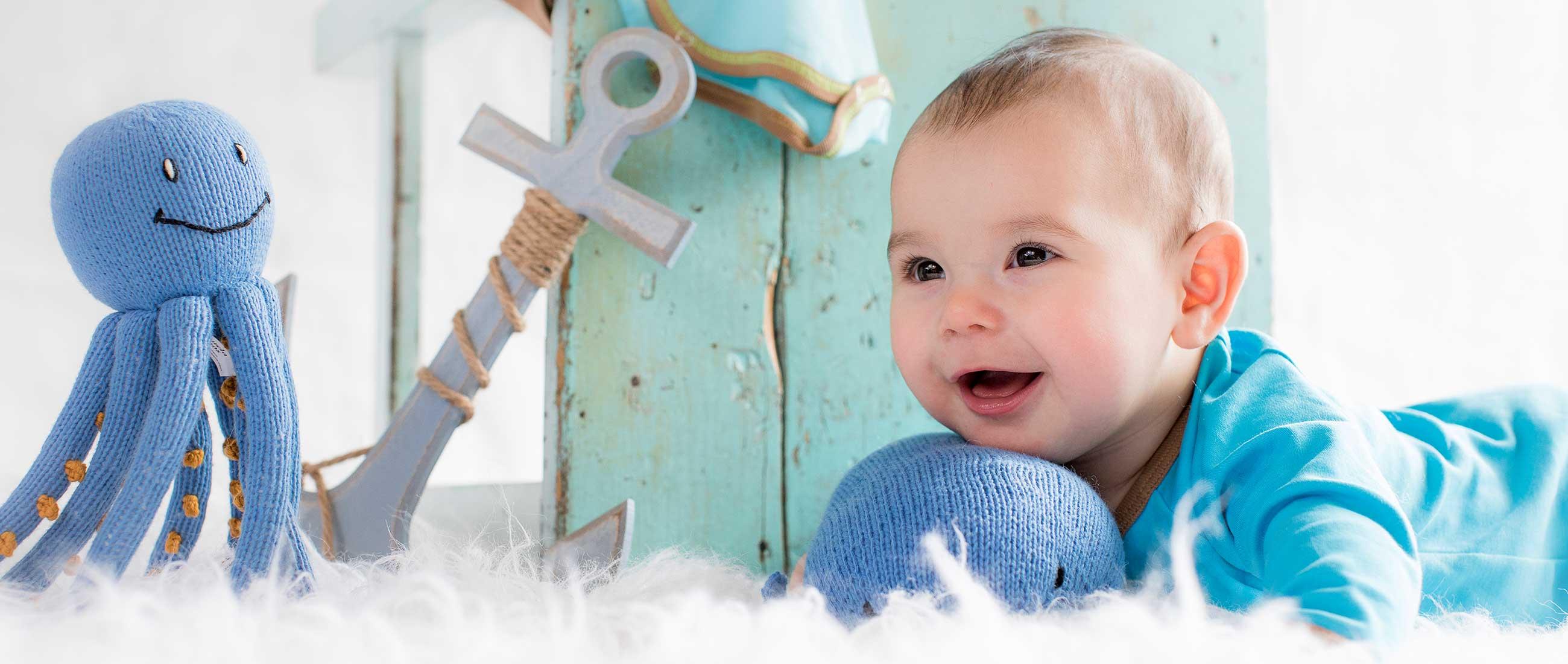 Kuscheltiere_Geburt_Taufe_Handgestrickt_Schadstofffrei_Hautvertäglich_Baby_Geschenke