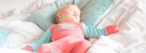 Babyschlaf_Baby nachts richtig anziehen_Chill n Feel