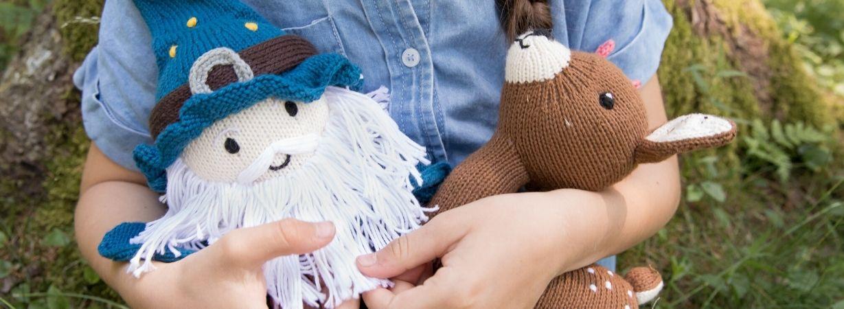 Kuscheltiere und Puppen als Trostspender